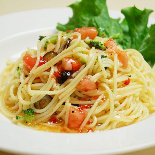 トマトとエビの冷製パスタ(夏季限定)