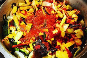 夏野菜のラタトゥイユの仕込んでまーす‼︎